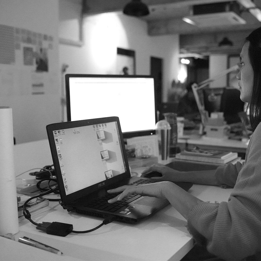 office_e.jpg